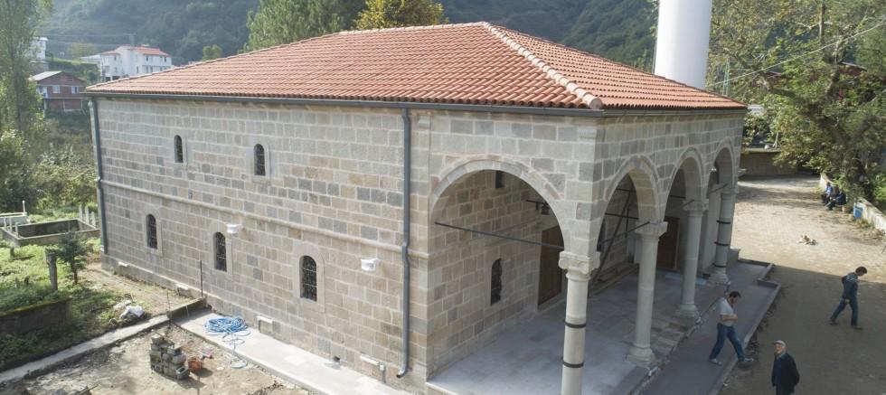 Asırlık Cami Restore Edildi