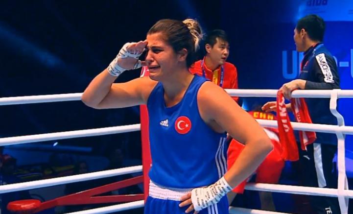 Dünya Şampiyonumuz Busenaz'dan Mehmetçiğe Asker Selamı