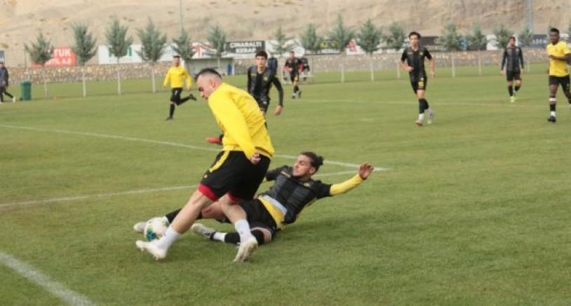 Federasyondan Sergen Yalçın'a 4 Maç Ceza