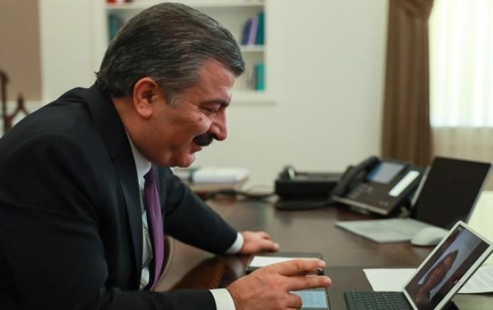 Sağlık Bakanı Yılın Doktorunu Tebrik Etti