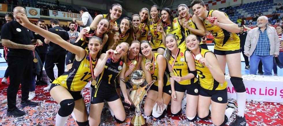 Vestel Venus Sultanlar Ligi'nde Kupa, Madalya ve Ödüller Sahiplerini Buldu