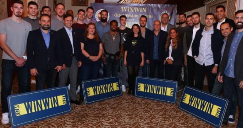 WinWin Kampanyası Talihlileri FB Yöneticileri ile Yemekte Buluştu